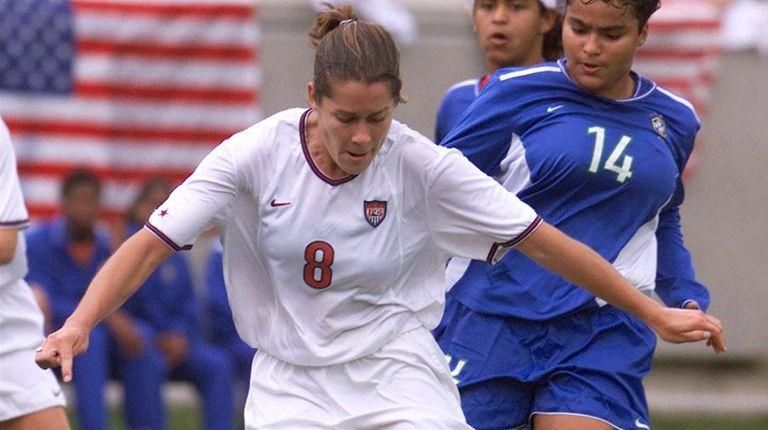 United States forward Shannon MacMillan takes a shot