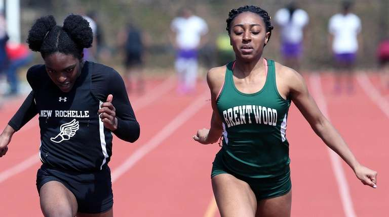 Brentwood's Brianna Davis edges out New Rochelle's Rammona