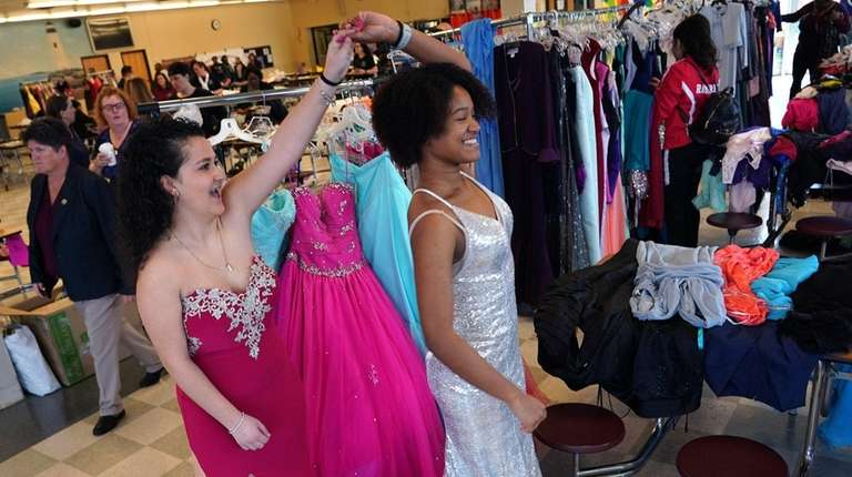 Free prom boutique in Freeport proves twice as nice the second time around