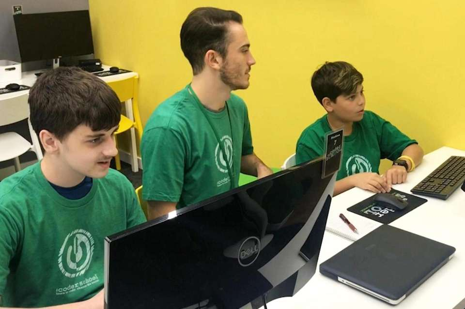 Computer-minded kids looking to learn how to code