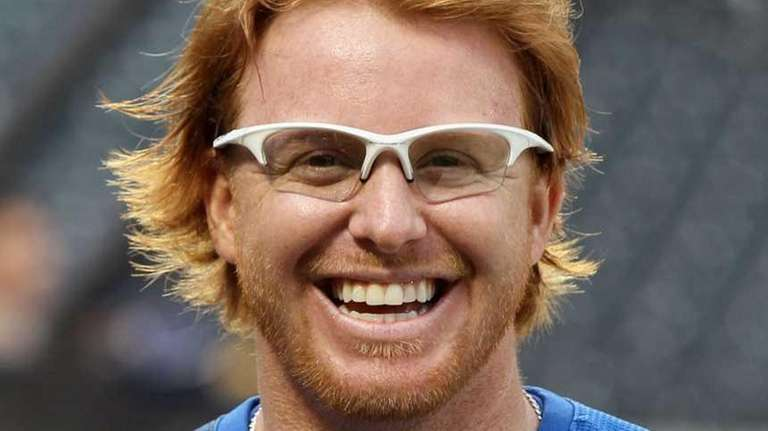 Justin Turner #2 of the New York Mets