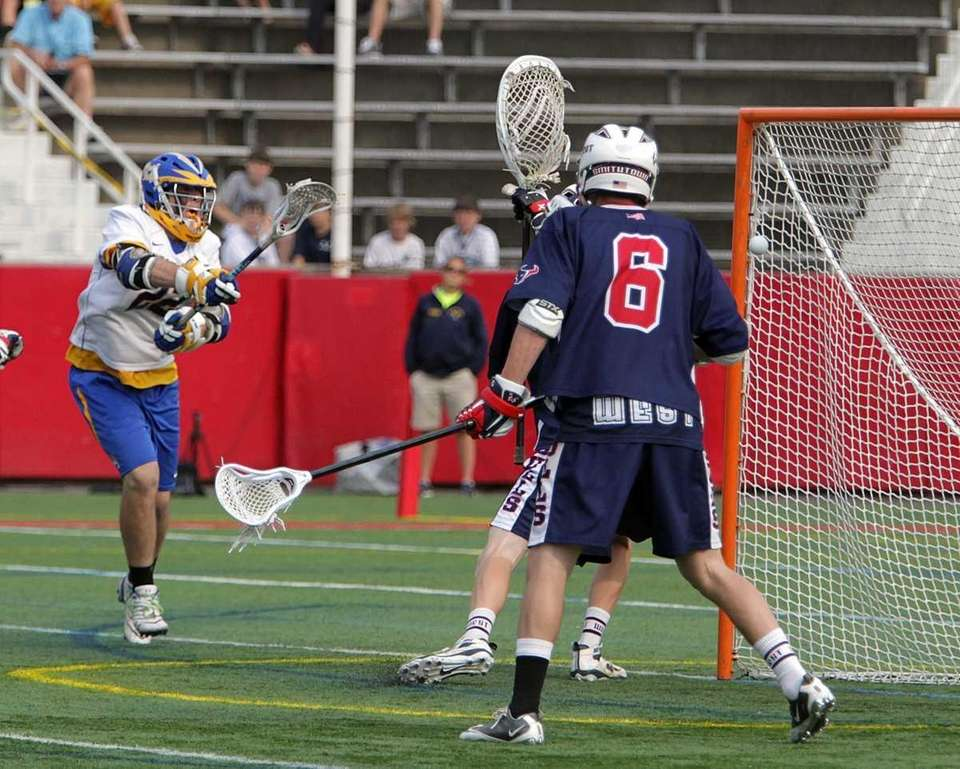 West Islip attacker Brendan Smith (22) with the
