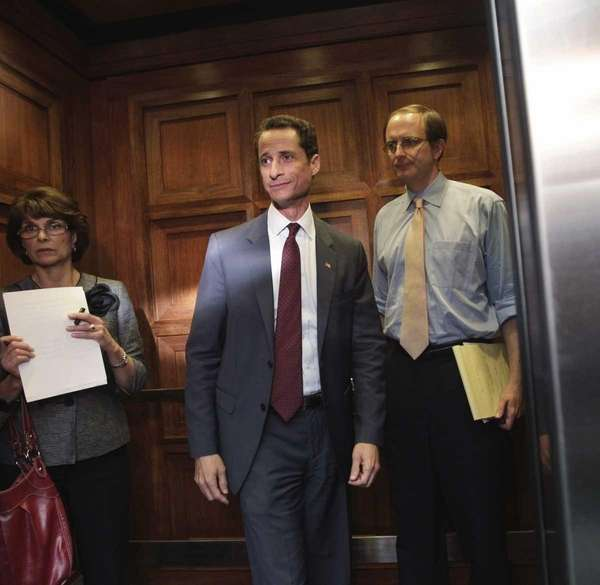 Rep. Anthony Weiner (D-N.Y.) walks from his office