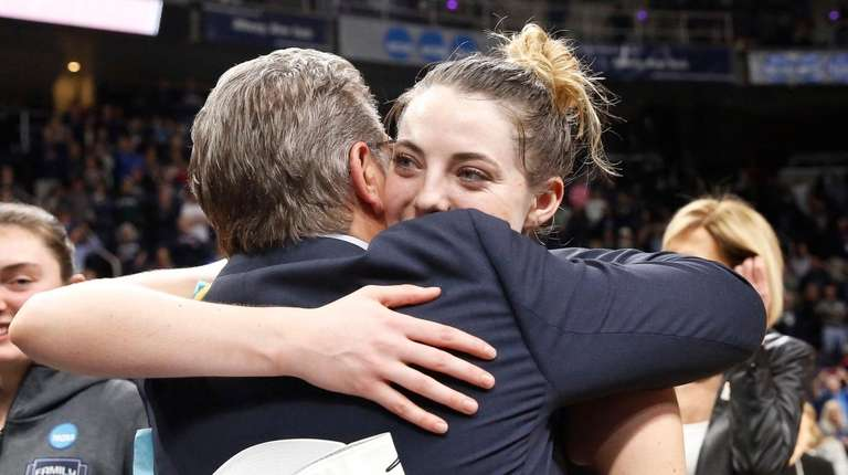 Flipboard: UConn women in Final Four 12th straight time ...