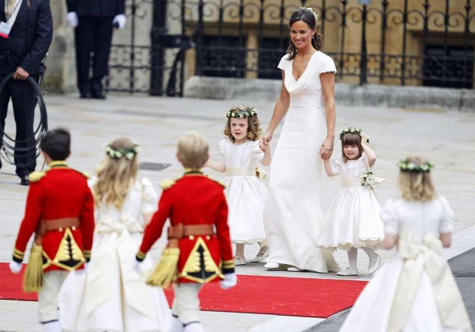 Maid of honor Pippa Middleton arrives with ring
