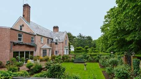Socialite Corneila Guest has reduced the asking price