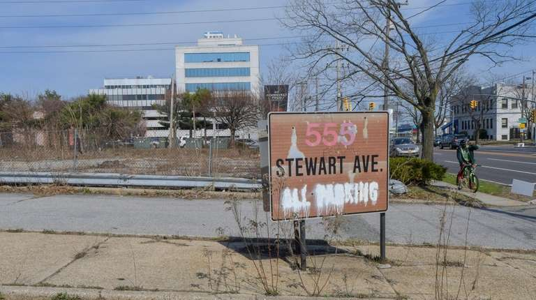 An apartment complex is proposed on a vacant