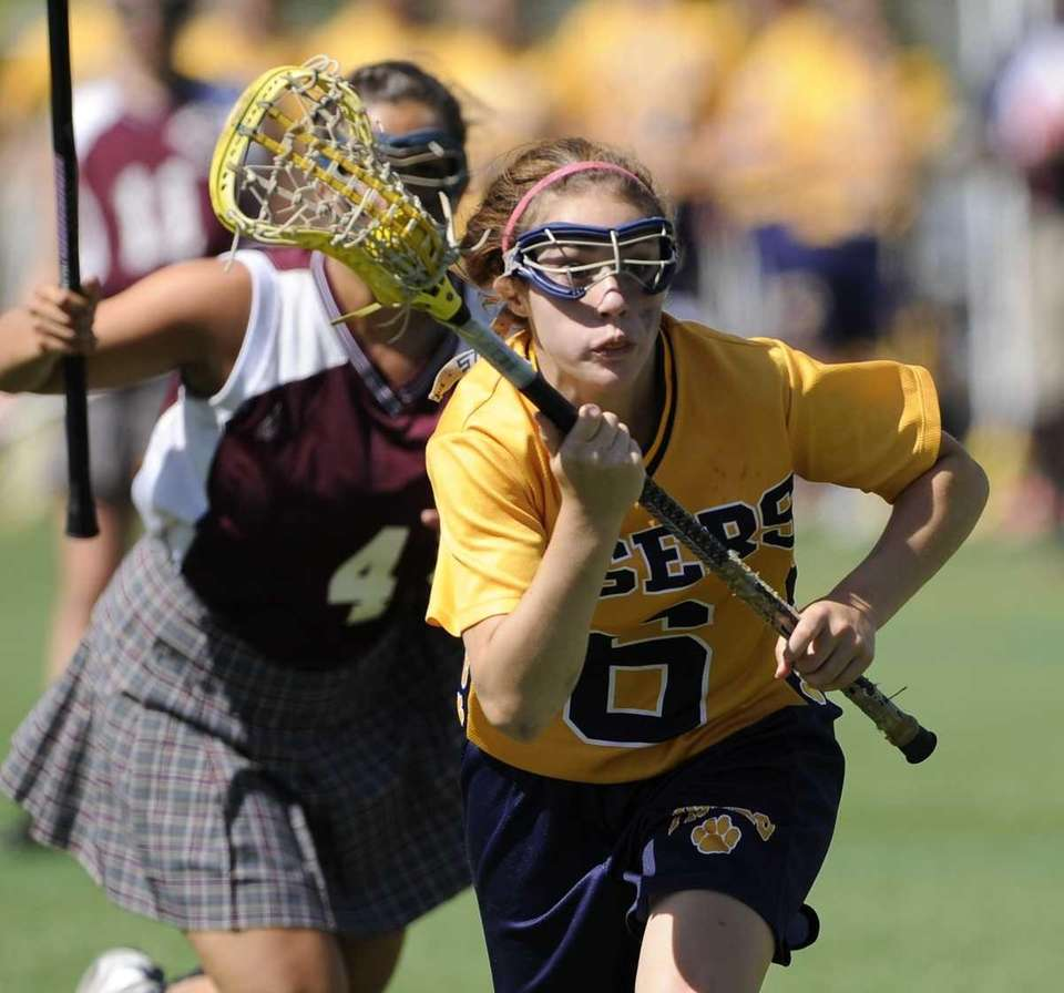 Northport's Paige Bonomi drives to the goal against