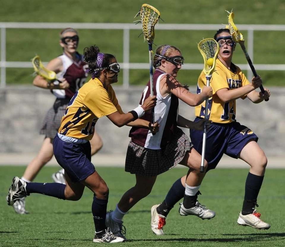 Northport's Megan Marinelli, left, and Annie Dodge, right,