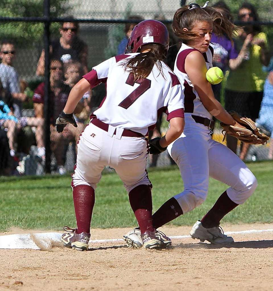 Bay Shore's Amber Fogarty #7 gets to third