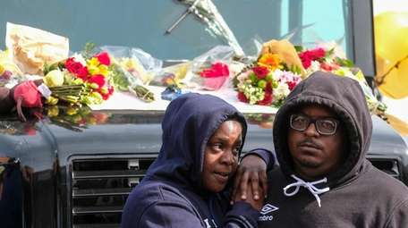 Fans of rapper Nipsey Hussle mourn his death