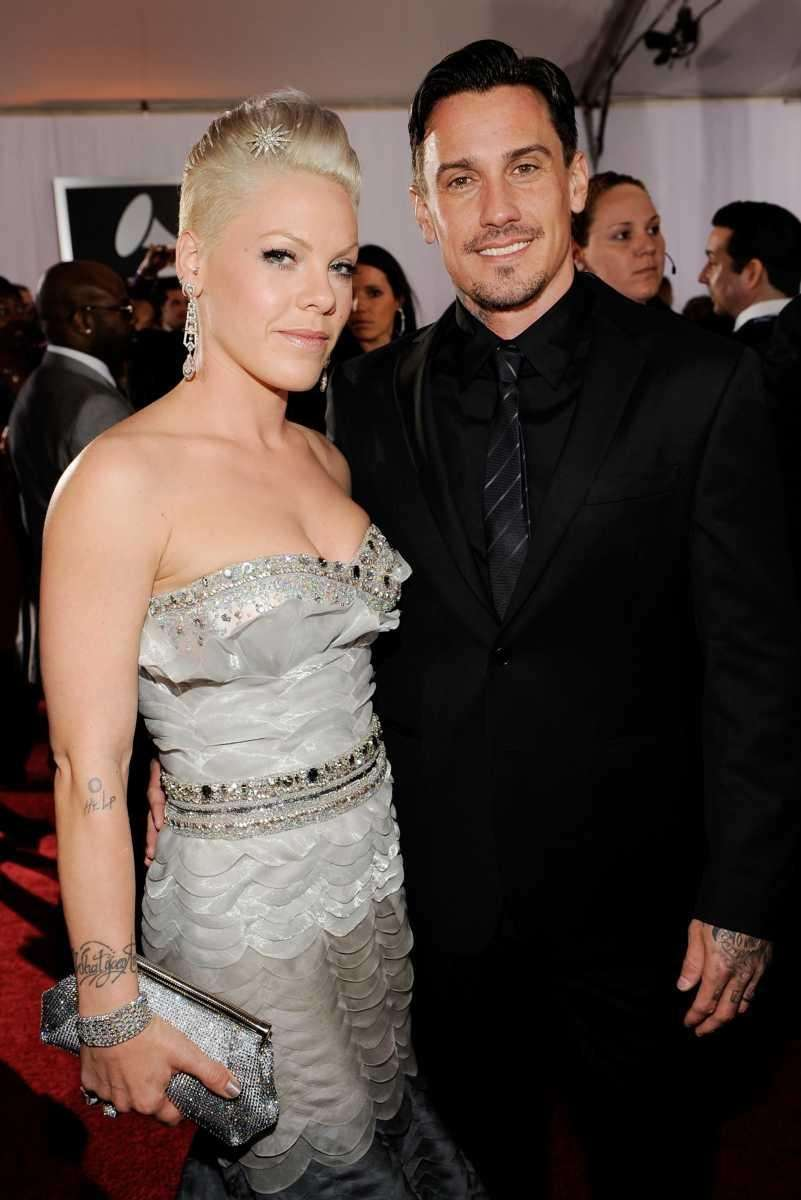 Parents: Pink and Carey Hart Children:Jameson Moon, born