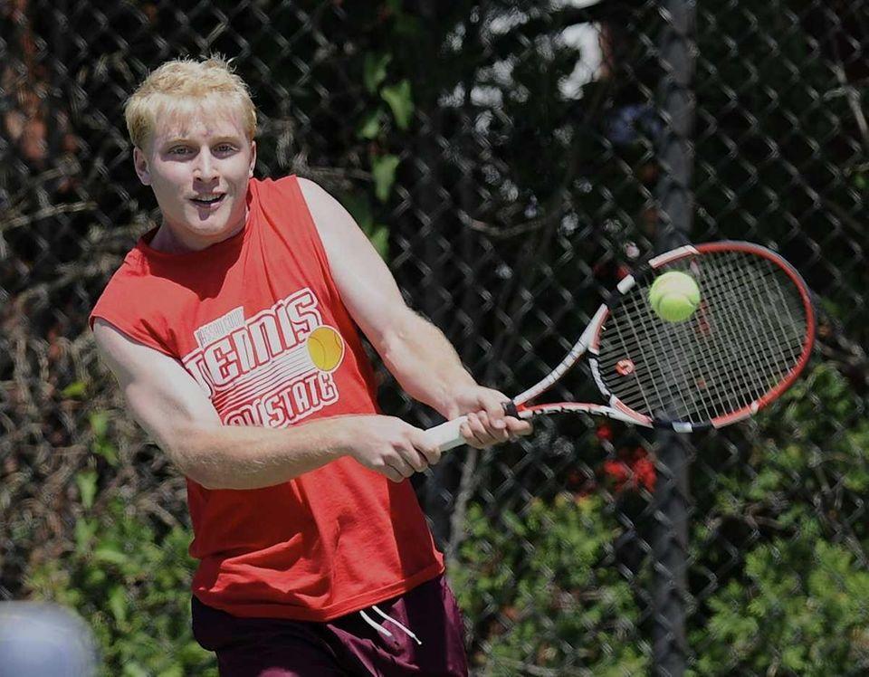 Garden City's Zach Morris won his quarterfinals singles