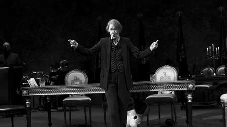 Glenda Jackson commands the stage as King Lear.