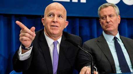 NYPD Commissioner James O'Neill, left, and Mayor Bill