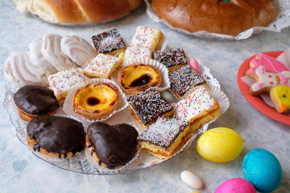 Doces da Pascoa are little cake treats, some