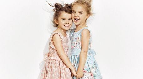 Twin sweets: Social media sensations Mila and Emma
