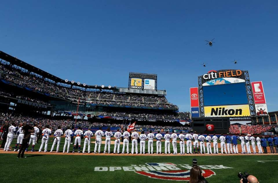 The New York Mets stand for the national