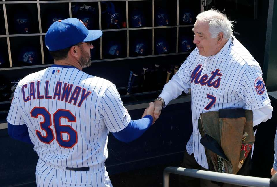 Former New York Met Ed Kranepool greets manager