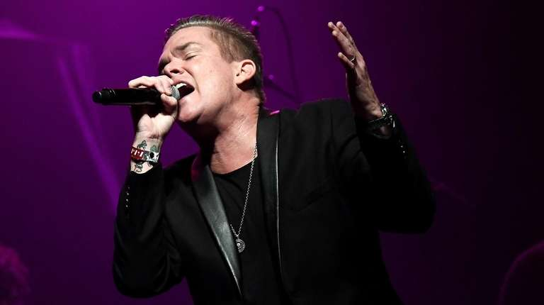 Mark McGrath performs at 2016 Rhonda's Kiss