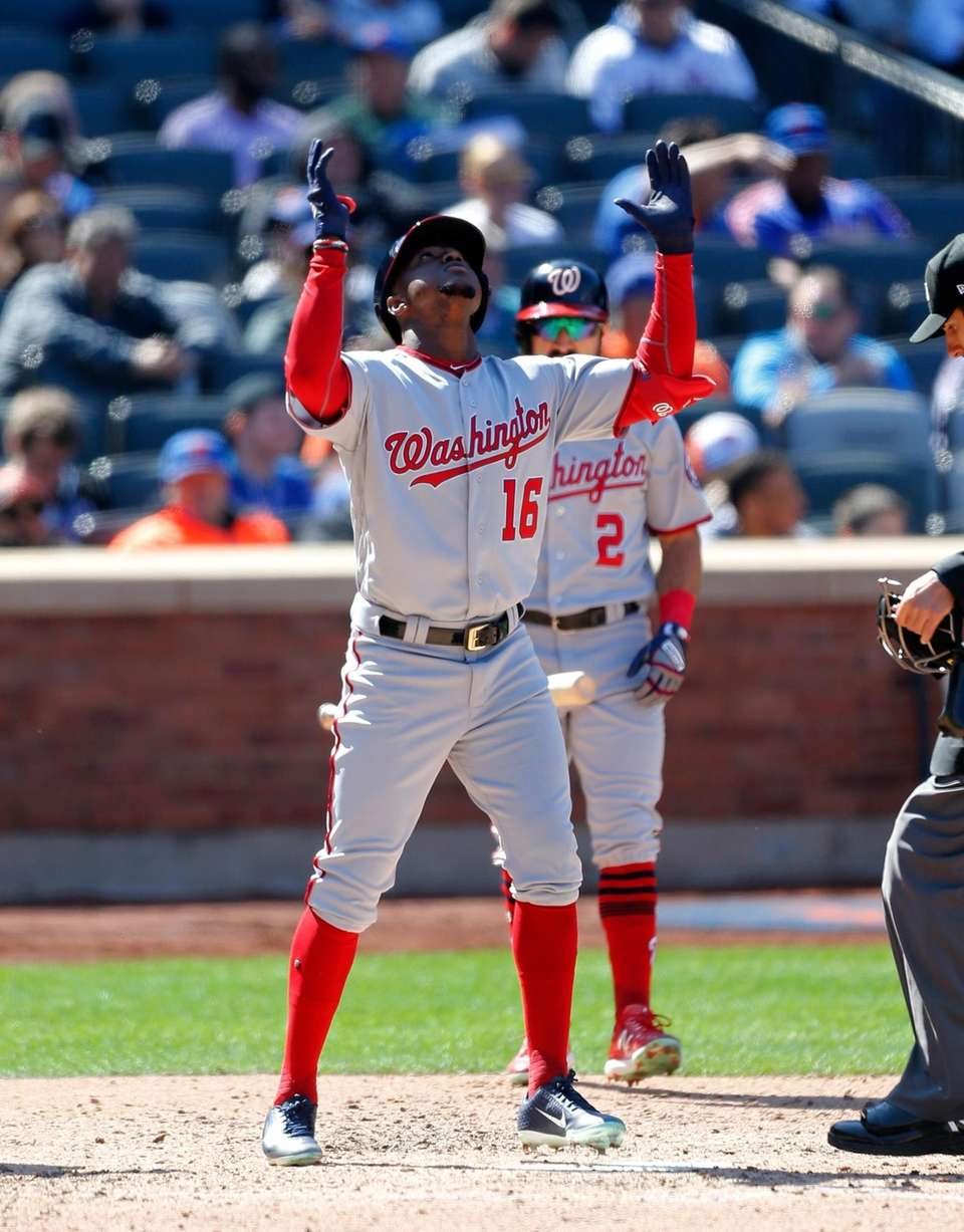 Victor Robles #16 of the Washington Nationals celebrates