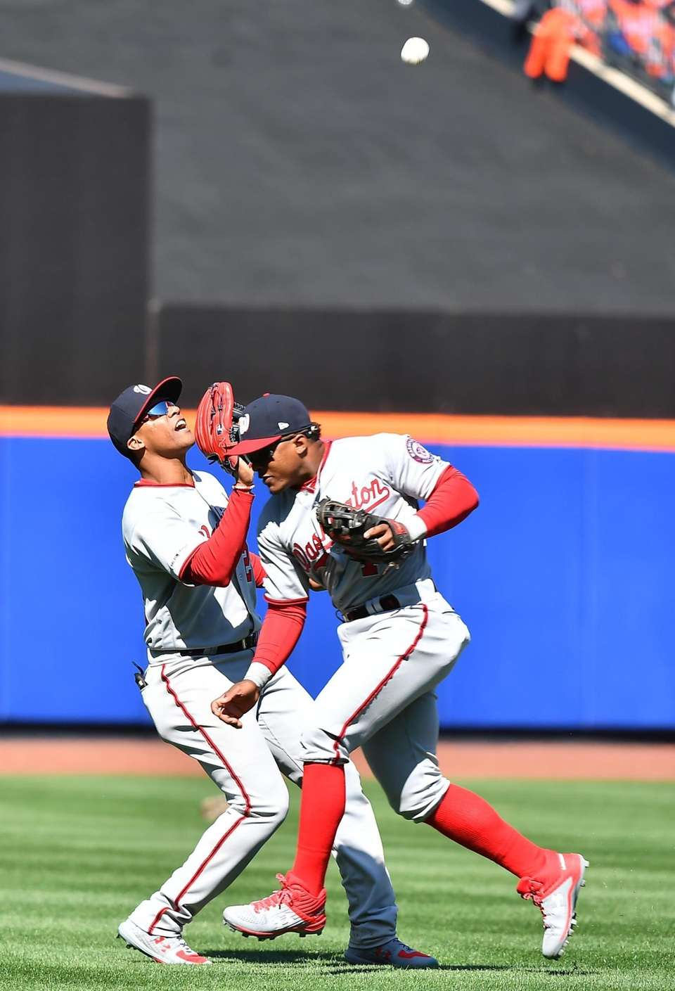 Washington Nationals left fielder Juan Soto (22) yes