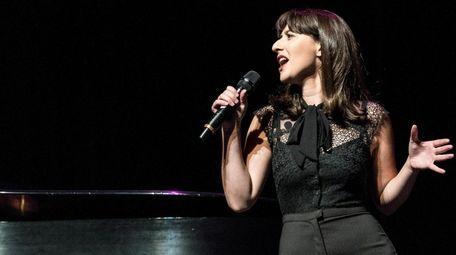 Singer Alex Getlin will perform