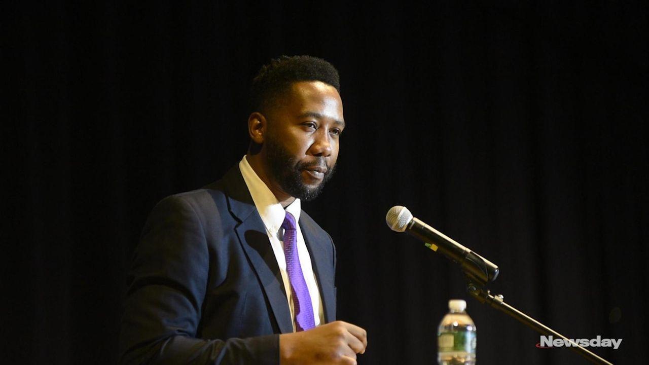 Ndaba Mandela, 36,spoke Thursdayto students at Hempstead High