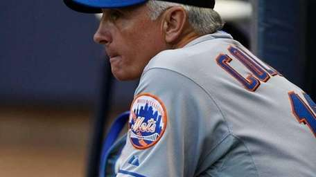 Terry Collins #10 of the New York Mets