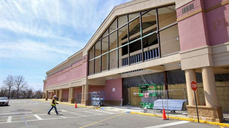 HomeSense and Planet Fitness will be going into