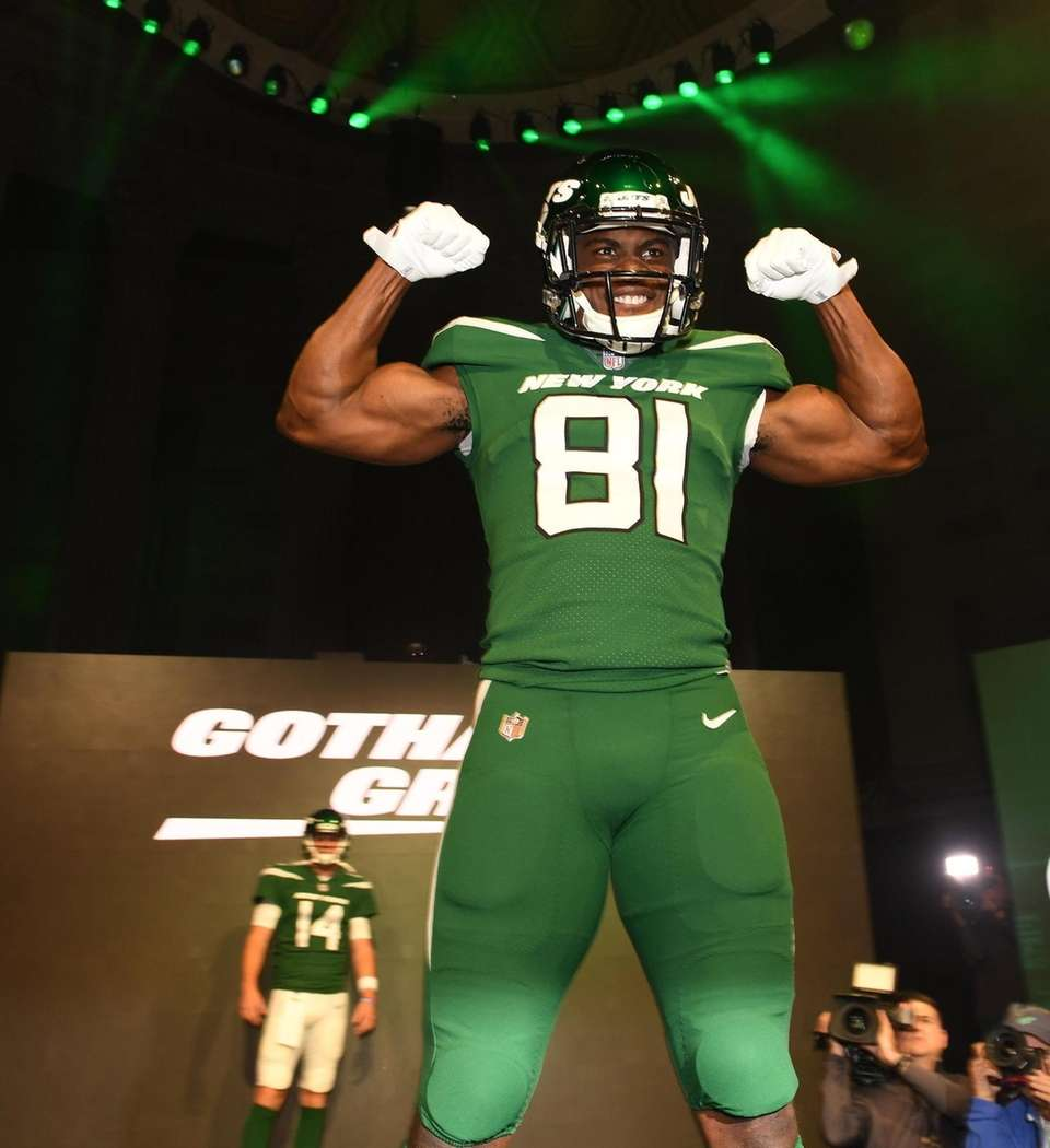 Jets wide receiver Quincy Enunwa shows off the