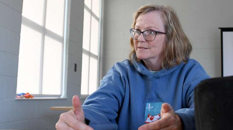 Trish McMillan, a consultant with Loehr Animal Behavior