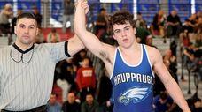 Hauppauge's Danny Mauriello wins the 152-pound semifinal Feb.