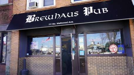 The Brewhaus Pub on North Wellwood Avenue in