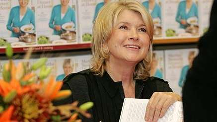 Martha Steward signs books at the Borders in