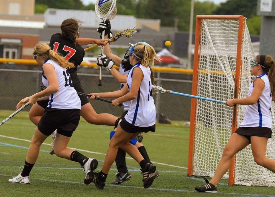 Mt. Sinai's Kasey Mitchell scores one of her