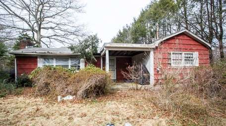 The property at 798 Old Nichols Rd. in