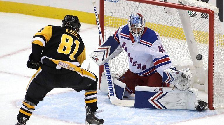 New York Rangers goaltender Alexandar Georgiev (40) blocks