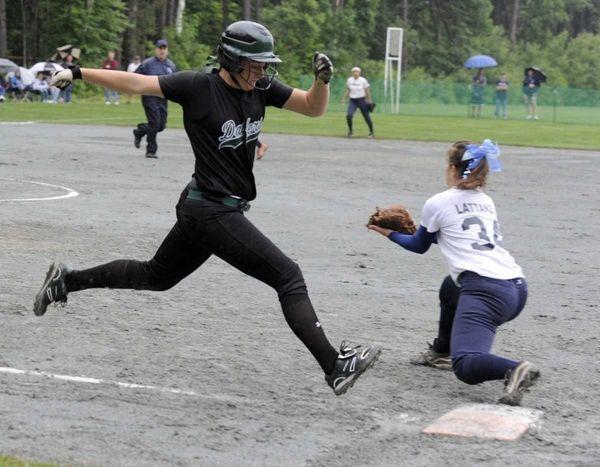 Farmingdale's Kat Zabielski can't beat the throw to