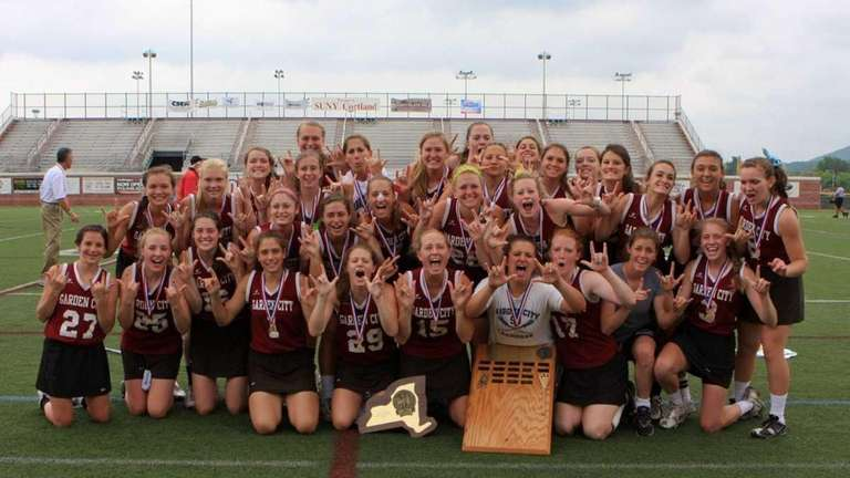 Garden City's girls lacrosse team poses with the