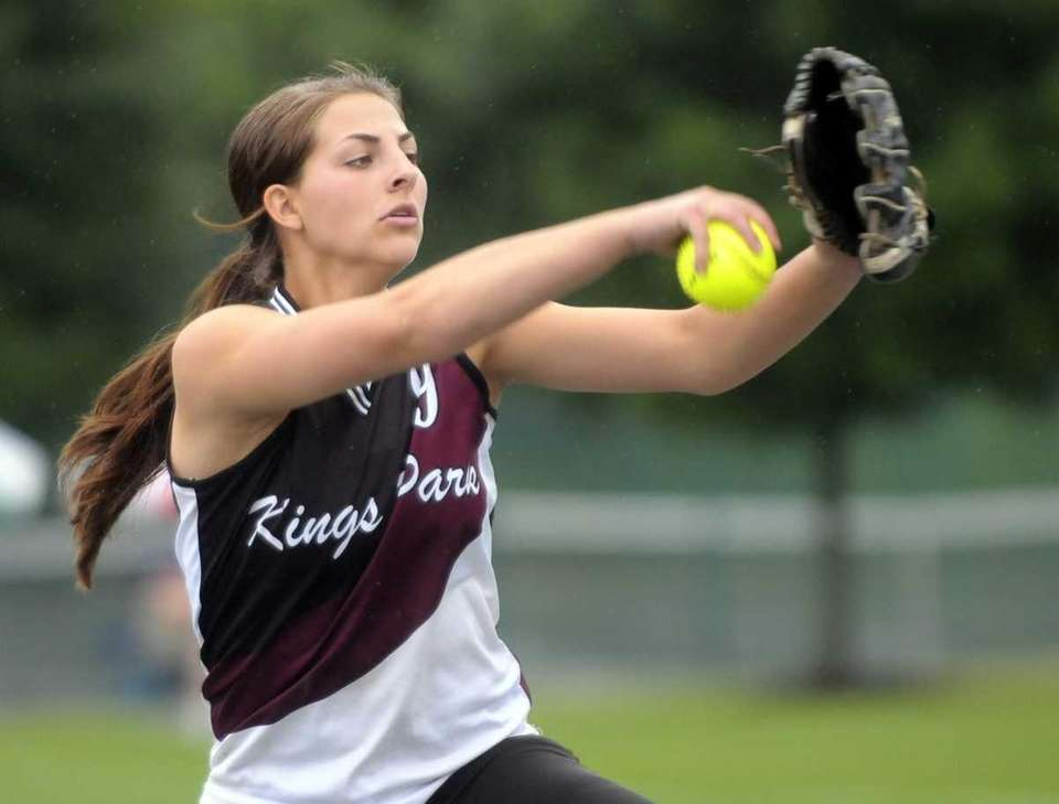 Kings Park's Lindsay Taylor pitches against Pittsford Mendon