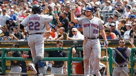 Daniel Murphy of the New York Mets congratulates