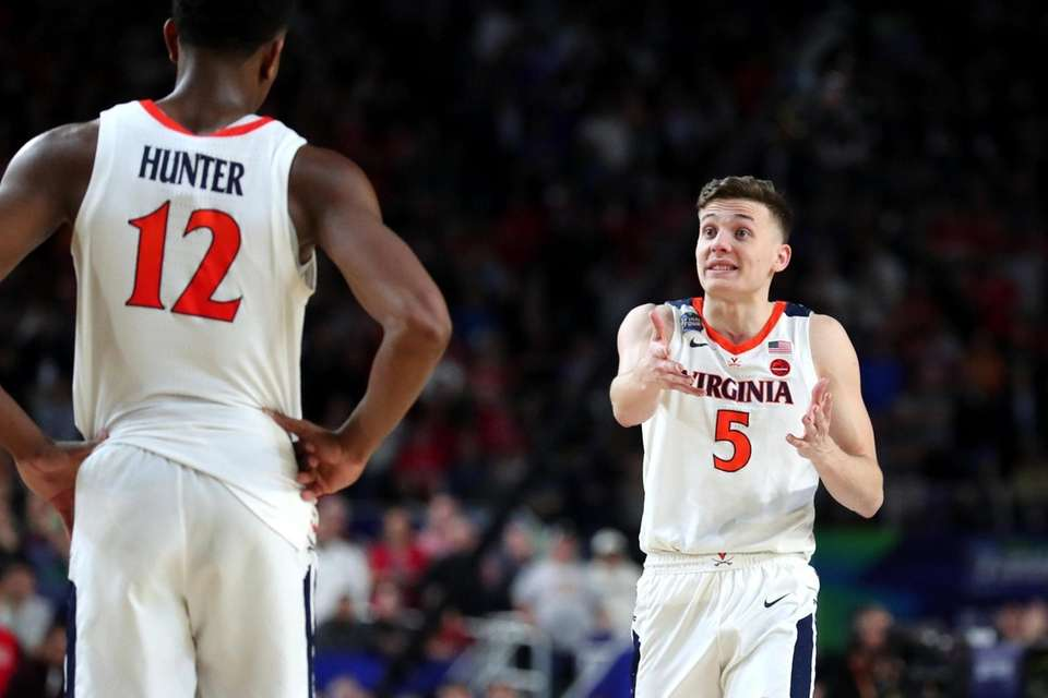 Kyle Guy #5 of the Virginia Cavaliers reacts
