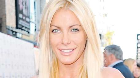 Crystal Harris is not going to marry Hugh