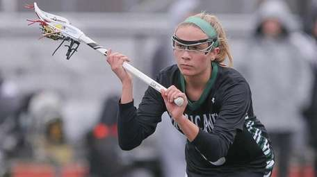 Westhampton's Isabelle Smith gets ready to take a