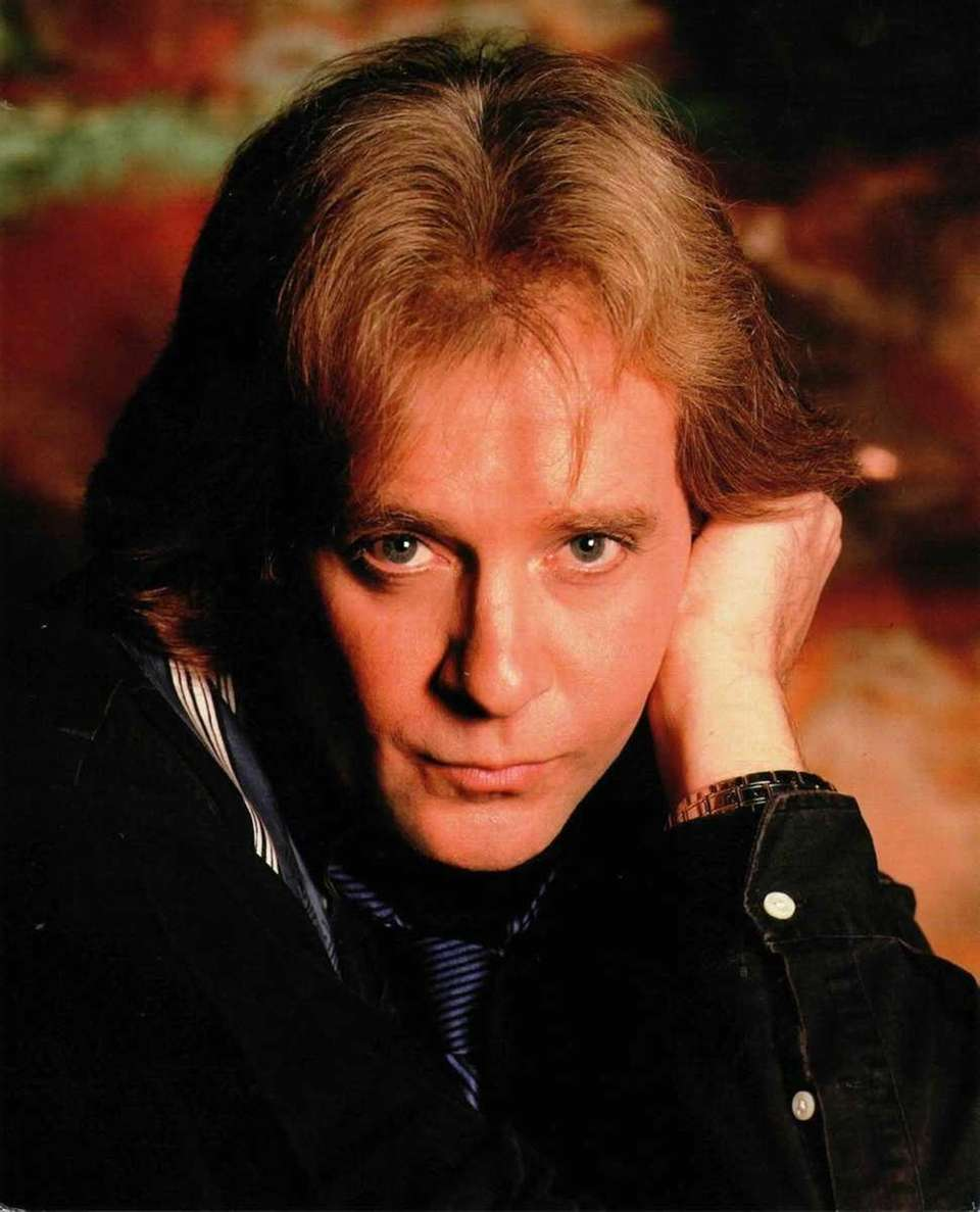 Musician/singer/songwriter Eddie Money graduated from Island Trees High