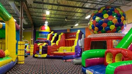 Bouncers & Slydos located in Farmingdale features