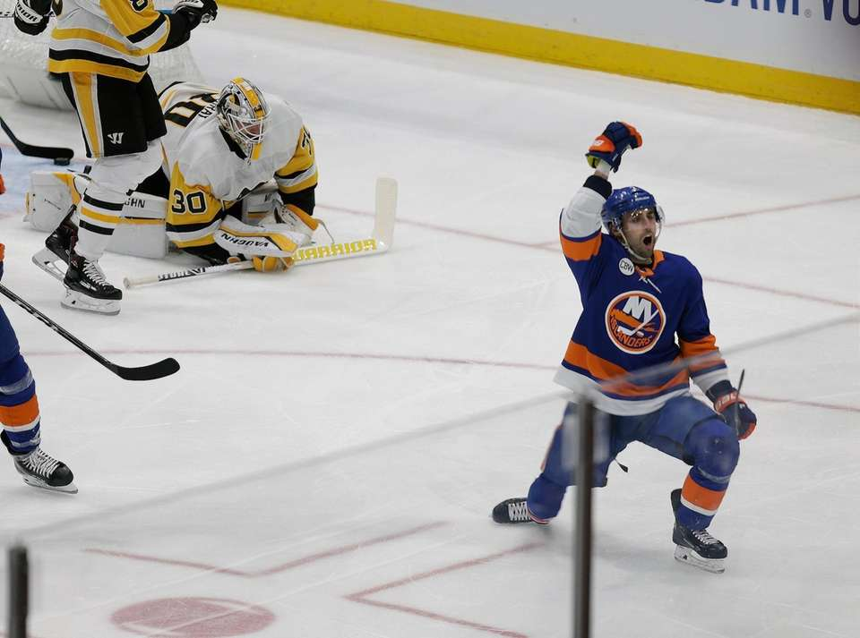 Islanders right wing Jordan Eberle (7) celebrates after