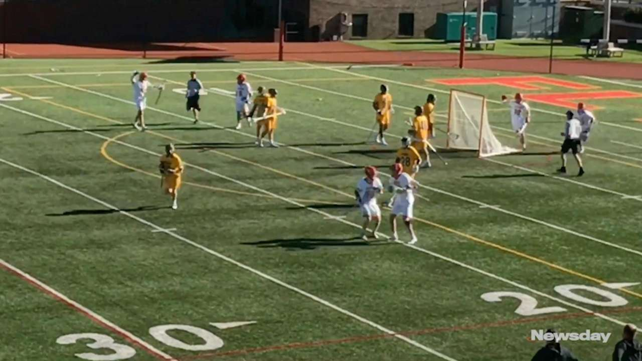 Chaminade defeated St. Anthony's, 13-7, in a CHSAA