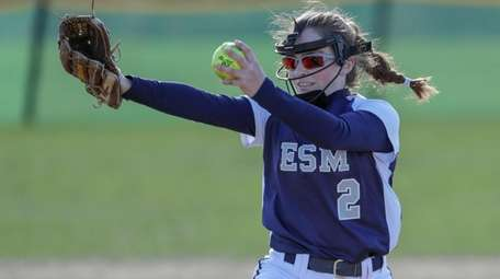 Starting pitcher Nikki Caesar of Eastport-South Manor delivers